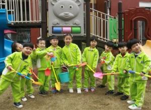 添一点新绿,温馨又美好——湖北仙桃和合伟才幼儿园植树节活动