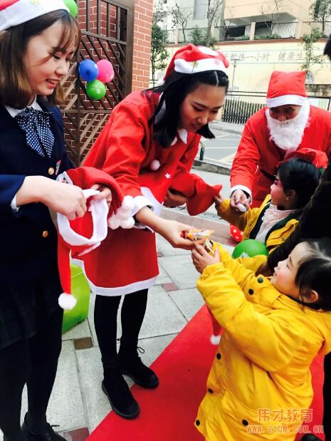 四川泸州伟才幼儿园圣诞Party,一起圣诞吧!