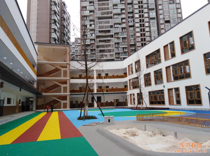 伟才幼儿园再次走进四川成都,打造幼儿健康成长的教育乐园!