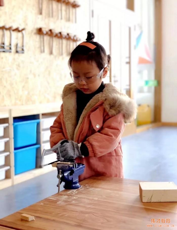 广西南宁宾阳伟才幼儿园:木工坊初体验