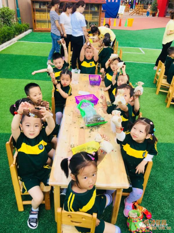 甘肃天水佳水岸伟才幼儿园端午节活动登上中国教育报!