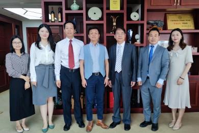 德中文化经济联合会中国事务委员会温舟会长一行到访伟才教育,共商联合与发展!
