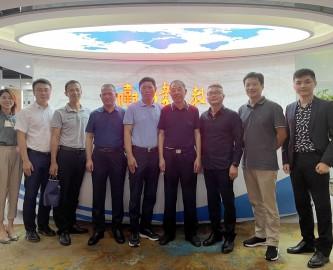 安徽天长市领导携企业家代表团来访伟才教育,探讨职业教育合作